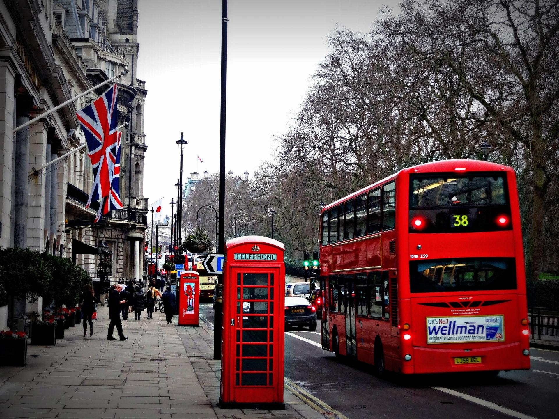 london-street-phone-cabin-163037.jpeg